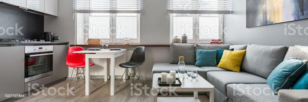 Wohnzimmer Und Offener Küche Stockfoto und mehr Bilder von Architektur