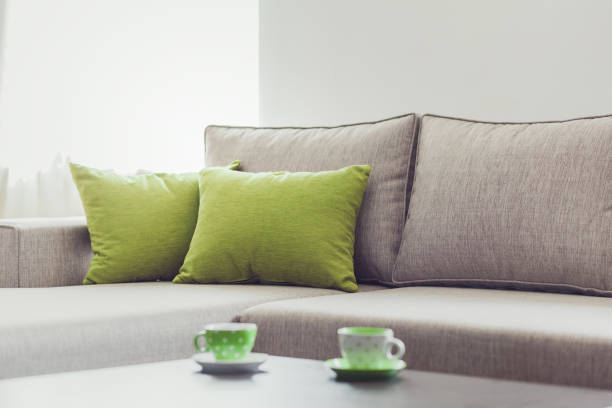 living room furniture decor - kanapee stock-fotos und bilder