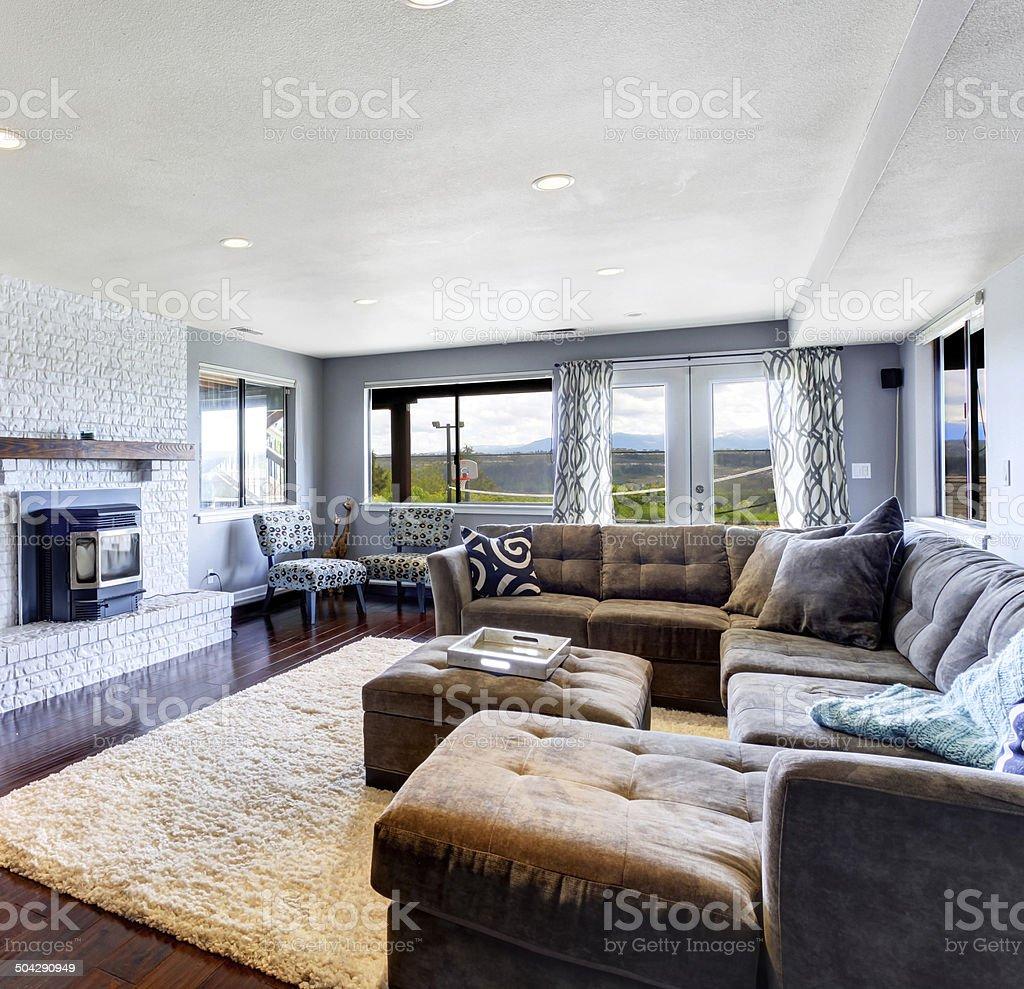 Interior De Sala De Estar Com Lareira E Tv Fotografias De Stock E  -> Sala De Tv Estar