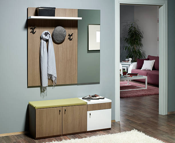 wohnzimmer room - sitzbank schuhe stock-fotos und bilder