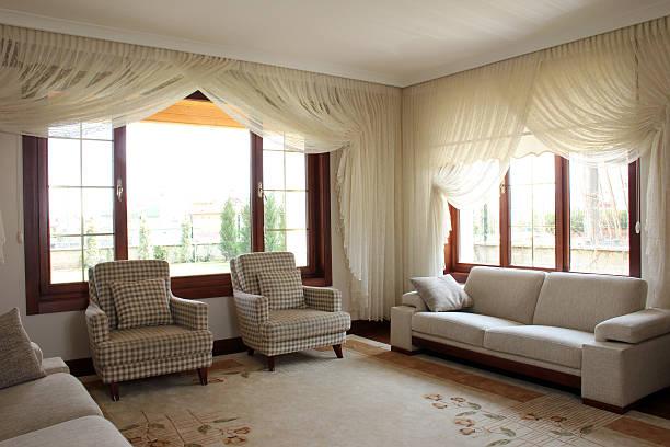 wohnzimmer room - moderner dekor für ferienhaus stock-fotos und bilder