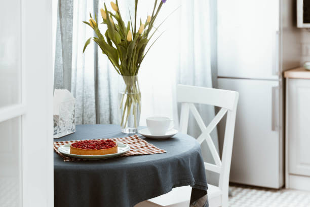 wohnzimmer skandinavischen stil, studio wohnung innenarchitektur - küche deko blog stock-fotos und bilder
