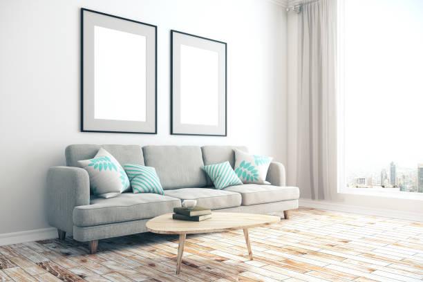 Wohnzimmer mit leeren zwei Bannern – Foto