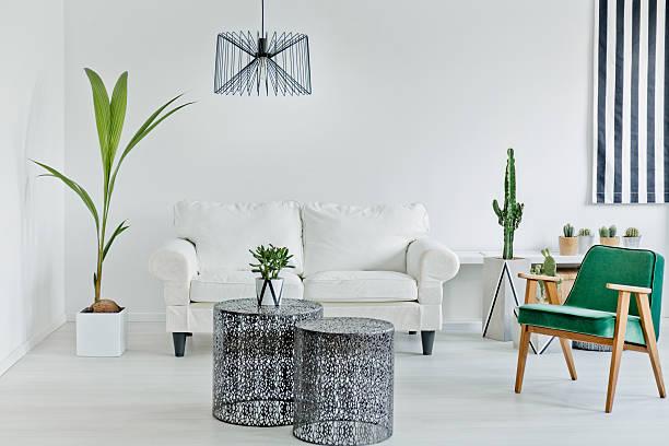 living room with openwork table - kleiner couchtisch stock-fotos und bilder