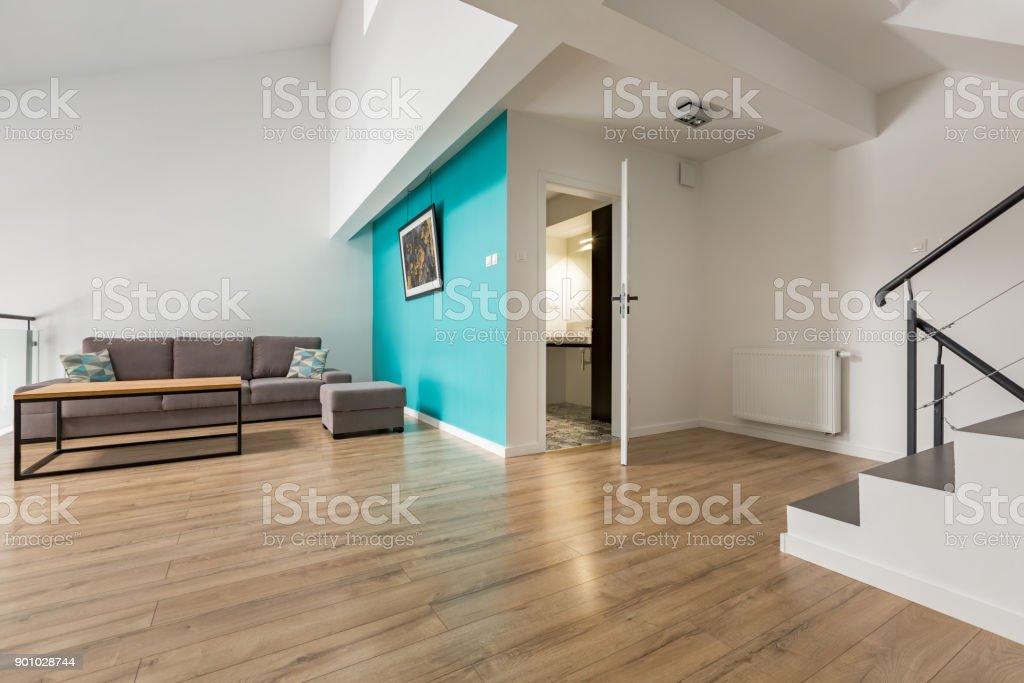 Wohnzimmer Mit Treppe Stockfoto und mehr Bilder von Architektur