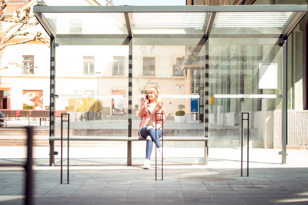 Eu estarei esperando no abrigo de ônibus - foto de acervo