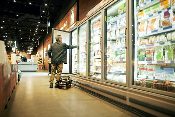 necesitaré algunos de estos - grocery store fotografías e imágenes de stock