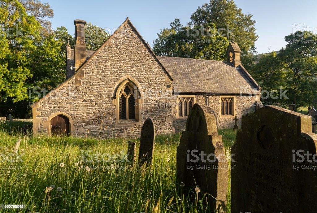 Llantysilio-parochiekerk in de buurt van Horseshoe falls - Royalty-free Afgelegen Stockfoto