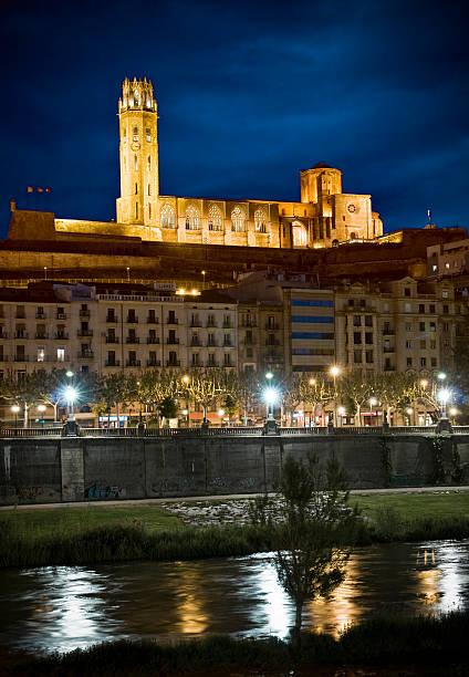 panoramę miasta lleida - lleida zdjęcia i obrazy z banku zdjęć