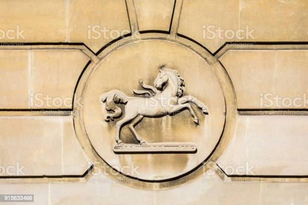 Lloyds bank symbol picture id915633466?b=1&k=6&m=915633466&s=612x612&h=98bu767qctg2yjo8hga0t csg iuhhf6 na1yeegjbs=