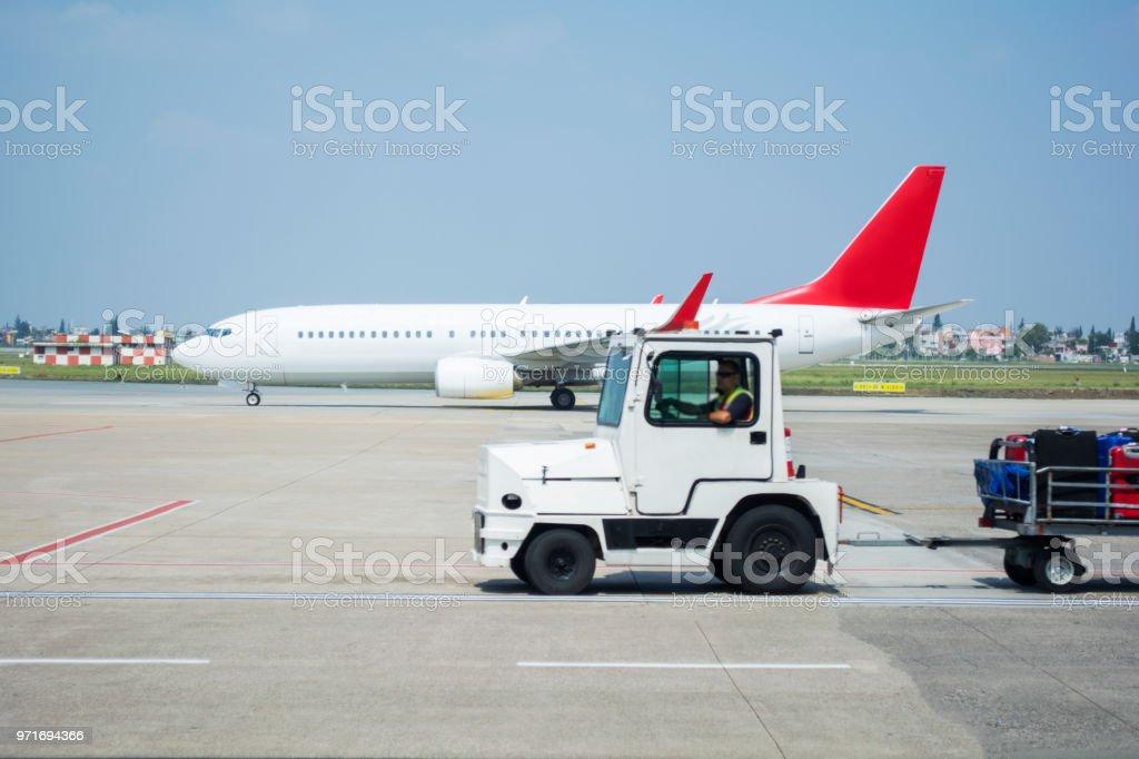 chargement des bagages avion - Photo