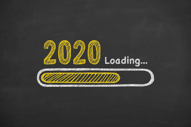 Laden des neuen Jahres 2020 auf Blackboard-Hintergrund – Foto