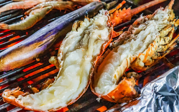 lobster grilling steamed barbecue - peixe na grelha imagens e fotografias de stock