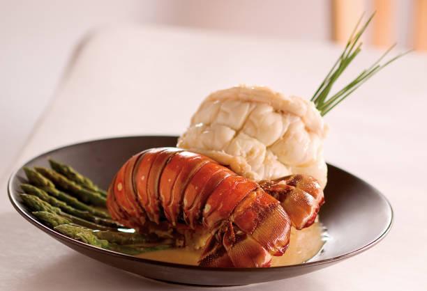 jantar de cauda de lagosta - fine dining - fotografias e filmes do acervo