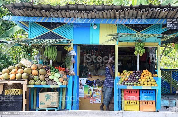 Local fruit stand in ocho rios jamaica picture id458626143?b=1&k=6&m=458626143&s=612x612&h=xe1gwgxqswdim45xornjyueqtd venll3zstnlrgd k=