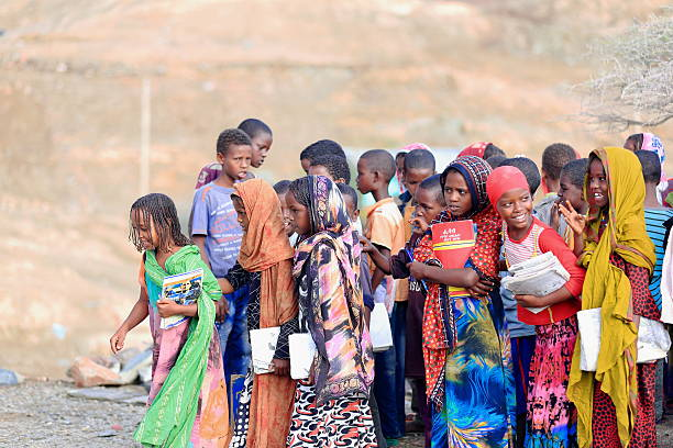 Local girls-boys to enter their school classrooms. Berahile-Ethiopia. 0396 – Foto