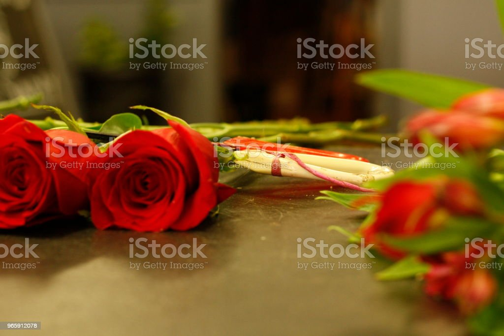 local professional florist arranging a personal bouquet using native Australian flowers and greenery - Стоковые фото Австралия - Австралазия роялти-фри