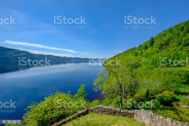 Loch ness a large deep freshwater loch in the scottish highlands picture id917812612?b=1&k=6&m=917812612&s=612x612&h=teka6nn bt6dtggr1vlfxujzmb1 bzmzhwujv9qnj4m=