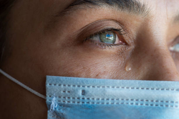 lockdown - tears corona stockfoto's en -beelden