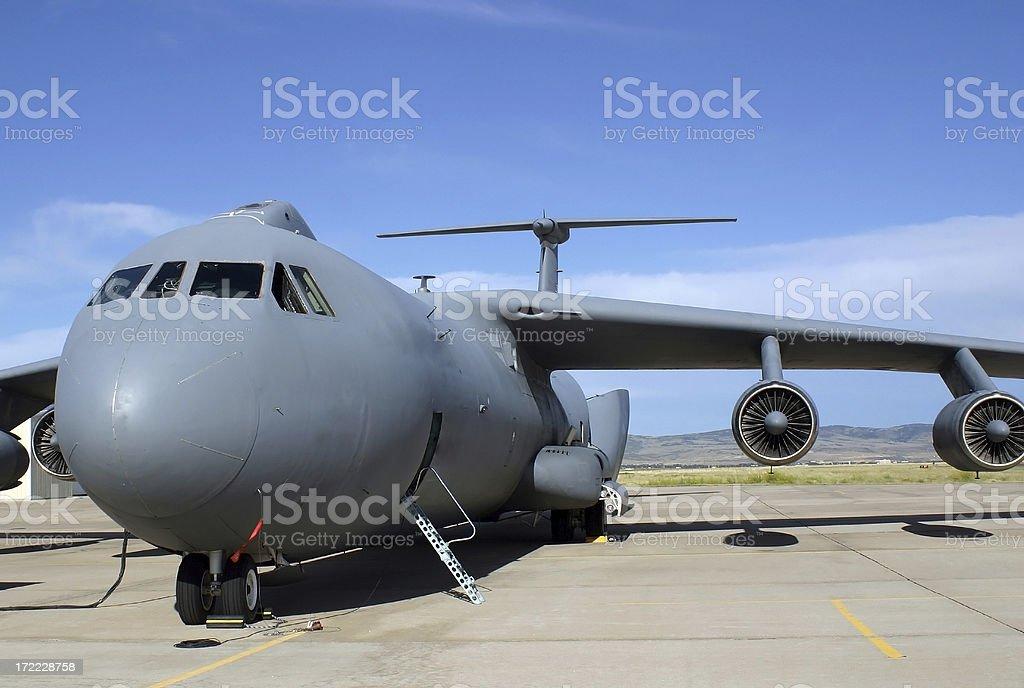 ロッキード C141 Starlifter 貨物航空機をロードする - あこがれの ...