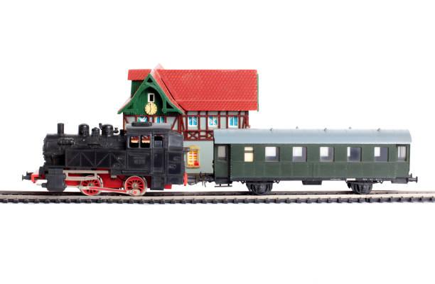 Locomotive and carriage – zdjęcie
