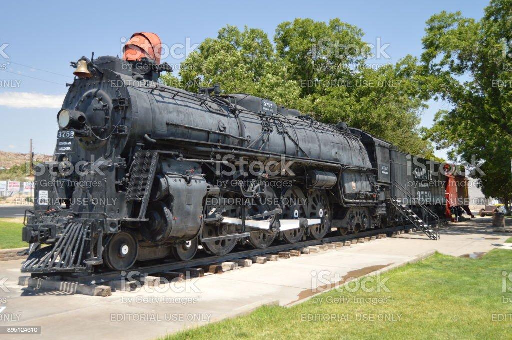 Locomotora Santa Fe en Kingman, 22 de junio de 2017. Ruta 66 Kingman. Estados Unidos de Arizona, EEUU. - foto de stock