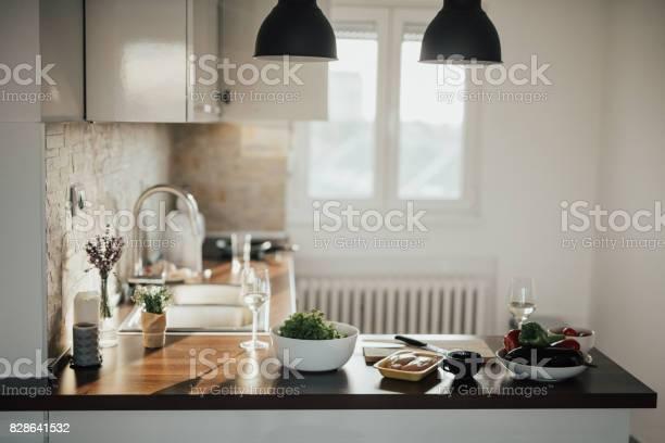 Loft apartment kitchen picture id828641532?b=1&k=6&m=828641532&s=612x612&h=hvtsswsm3xnmbsqyzzqxl8avdo1noxlbhsrxkfkp7rg=