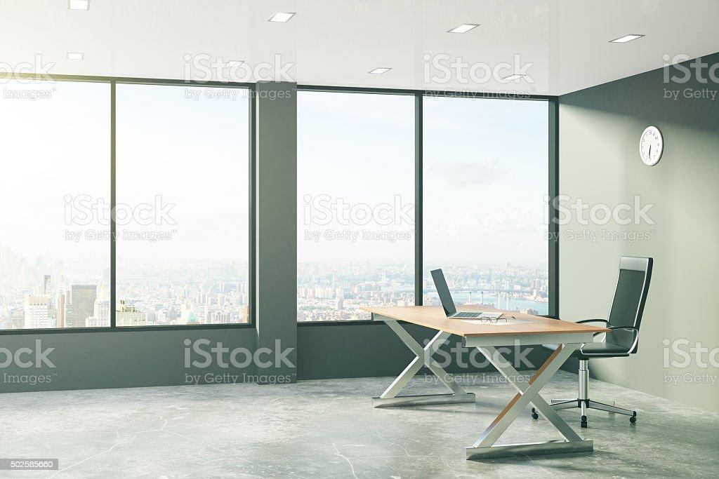 büro im loft stil stil stockfoto loftstil im büro mit modernen möbeln und blick auf die stadt lizenzfreies stock loftstil im mit modernen und auf die