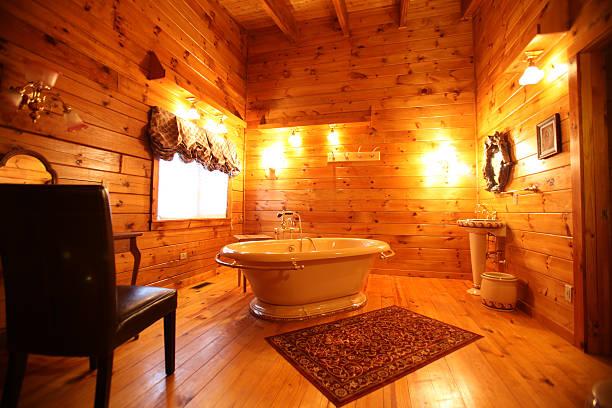 log cabin badezimmer - cottage schlafzimmer stock-fotos und bilder