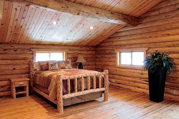 log cabin schlafzimmer - cottage schlafzimmer stock-fotos und bilder