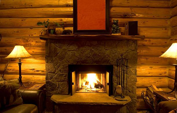 log cabin kamin - skihütte stock-fotos und bilder
