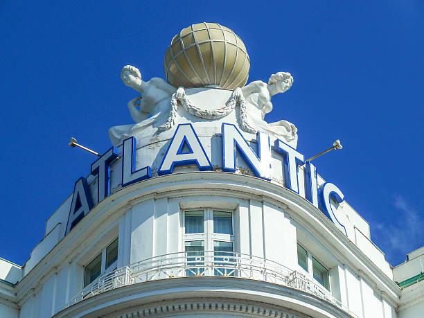 logo des hotel atlantic - hotel stadt hamburg stock-fotos und bilder