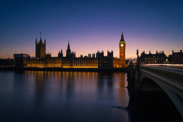 London at Night Big Ben and the Parliament Building are seen at sunset in this image. southeast england stock pictures, royalty-free photos & images