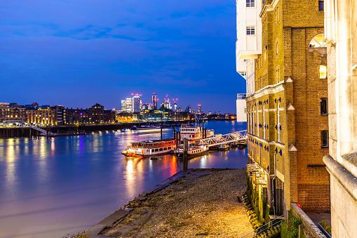 London, background Skyline Canary Wharf