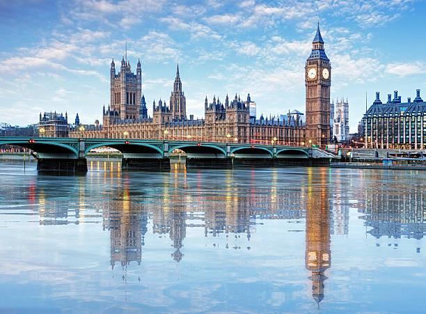 лондон-биг бен и здание парламента, великобритания - вестминстер лондон стоковые фото и изображения