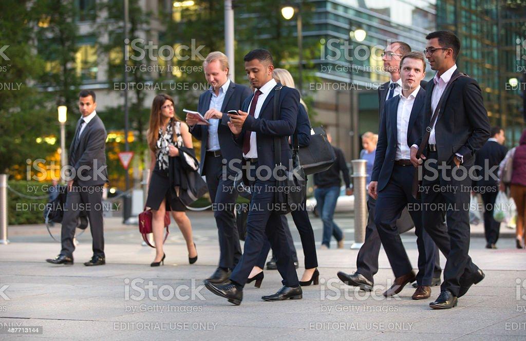 London, business people walking on street stok fotoğrafı