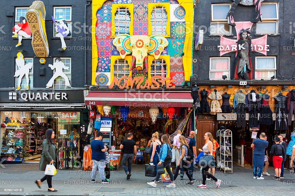 Fotografía De London Camden Market Y Más Banco De Imágenes De A La