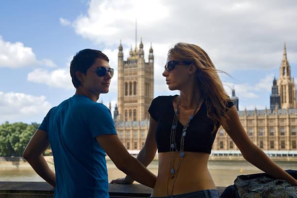 london in der liebe - liebeskummer englisch stock-fotos und bilder