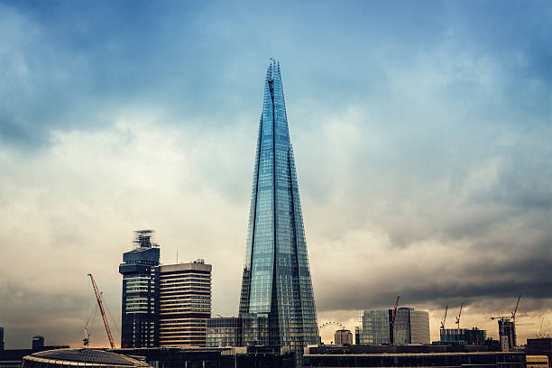 london - shard london bridge stockfoto's en -beelden
