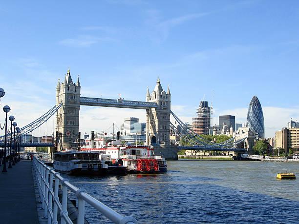London mit Blick auf die Themse – Foto