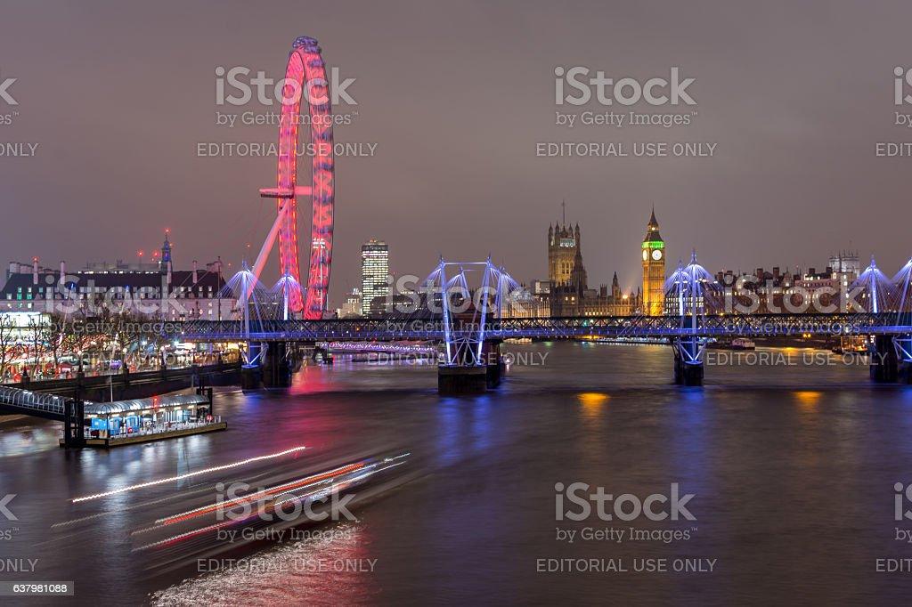 London skyline at night with London Eye, Big Ben - foto de acervo
