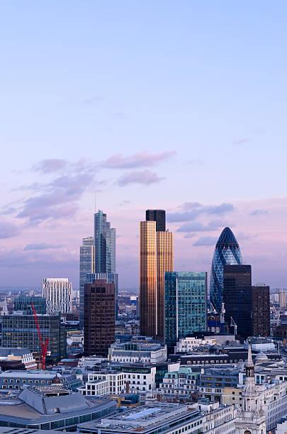 London Skyline in der Dämmerung – Foto