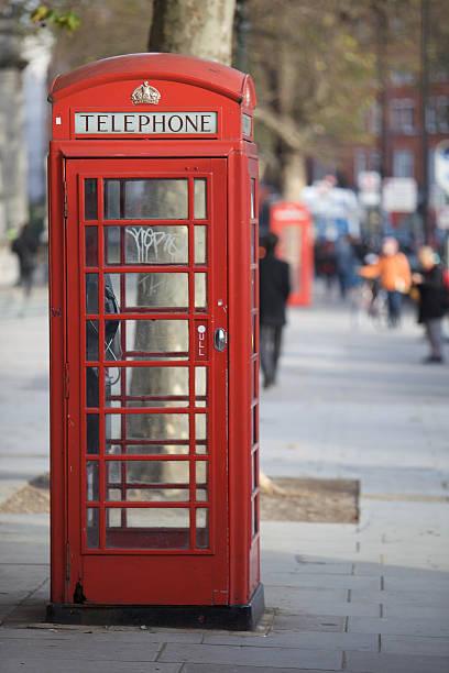 telefon box in london - sprüche englisch stock-fotos und bilder