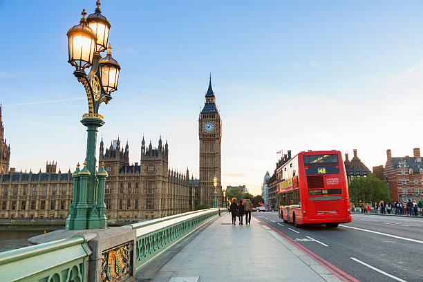 London, Traffic on Westminster bridge – Foto