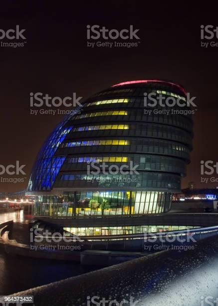 Foto de Londres Reino Unido 10 De Fevereiro De 2007 Londres Prefeitura Iluminada À Noite e mais fotos de stock de Arquitetura