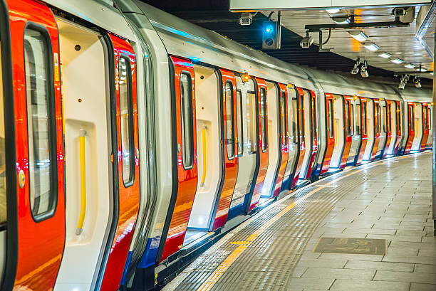 london's underground - tube stock pictures, royalty-free photos & images