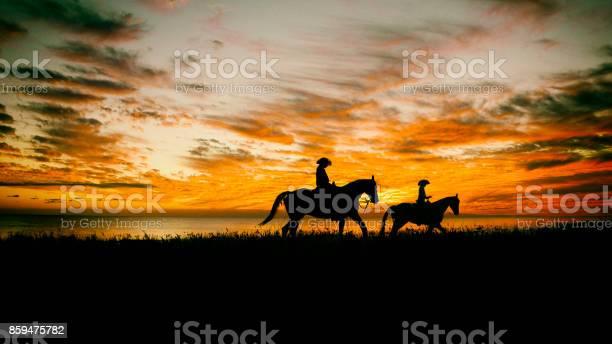 Lone cowboy picture id859475782?b=1&k=6&m=859475782&s=612x612&h=w91vvcvhsynx6um0ec 0i4 nrzut 8shaeajbzishyo=