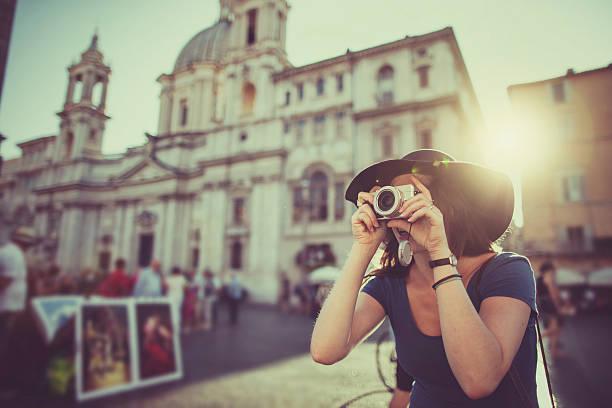 Lone traveler tourist woman  in Rome – Foto