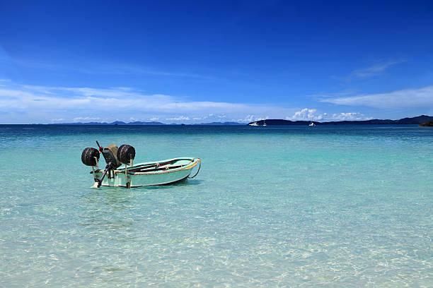 Einsam Anker-Boot im tropischen Lagune – Foto