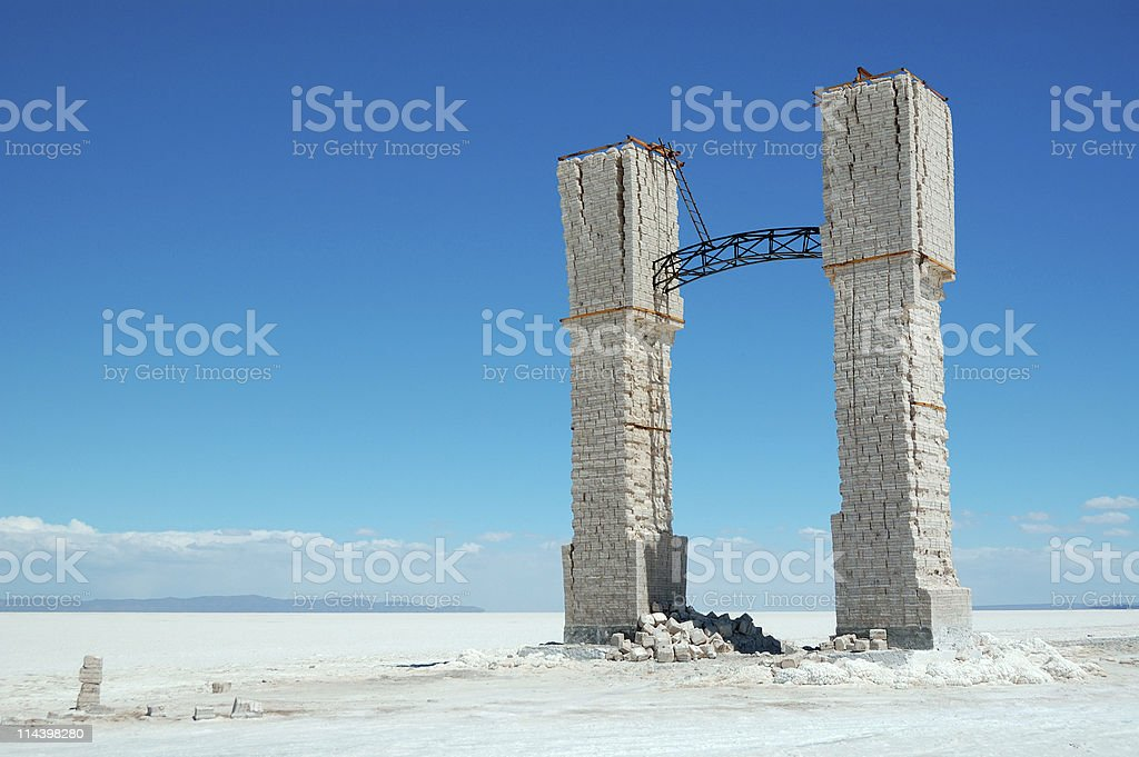 Lonely arch in salt desert, Salar de Uyuni, Bolivia stock photo